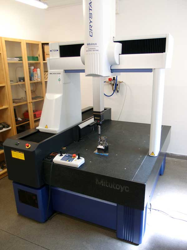 3D Messmachine MITUTOYO Crysta Apex C7106 - S